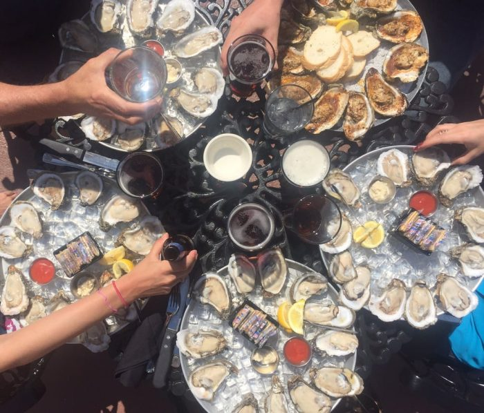 These 10 Oyster Bars In Alabama Will Become Your New Favorite Hangout