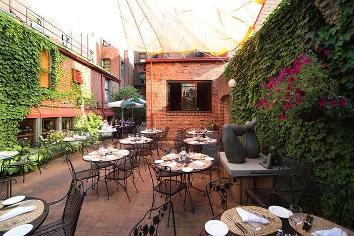 Superieur 4. Tabard Inn Restaurant