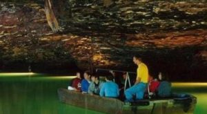 The Amazing Glass-Bottomed Boat Tour In Tennessee Will Bring Out The Adventurer In You