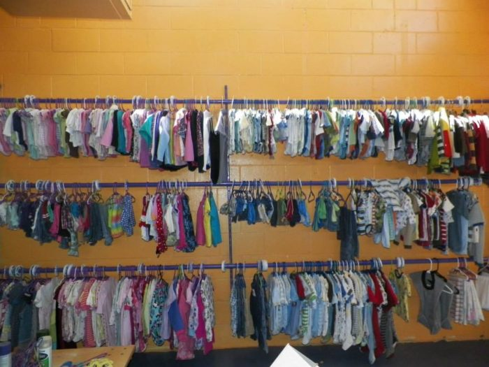how to find treasures at thrift stores