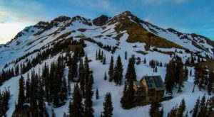 The Gorgeous Lodge In Colorado That's So Secluded You Can Only Access It By Hike