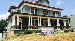 13 Incredible Thrift Stores In South Carolina Where You'll Find All Kinds Of Treasures