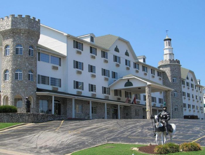 The Stone Castle Hotel In Missouri Will Give You An