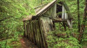These 4 Trails Around Portland Will Lead You To Extraordinary Ruins