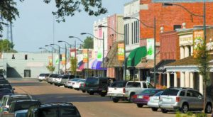 The Small Town In Mississippi That's One Of The Coolest In The U.S.