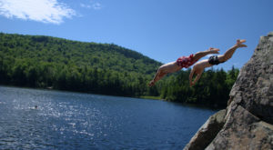 9 Gorgeous Waterfront Hikes In Vermont That Anyone Can Do