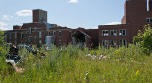 10 Staggering Photos Of An Abandoned Hospital Hiding In North Dakota