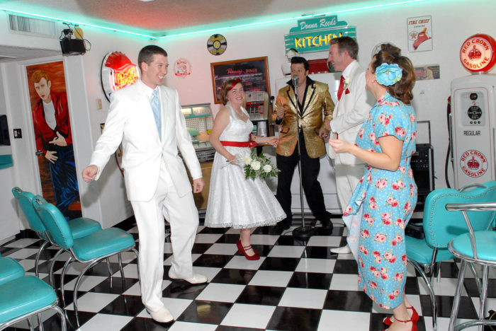 You Ll Never Forget Your Wedding Day At These Odd Nevada