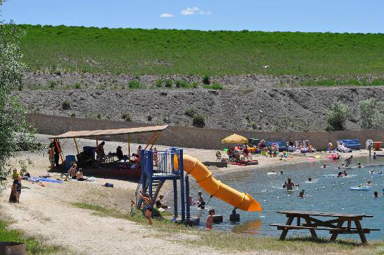 6 Little Known Swimming Spots In Nevada That Will Make