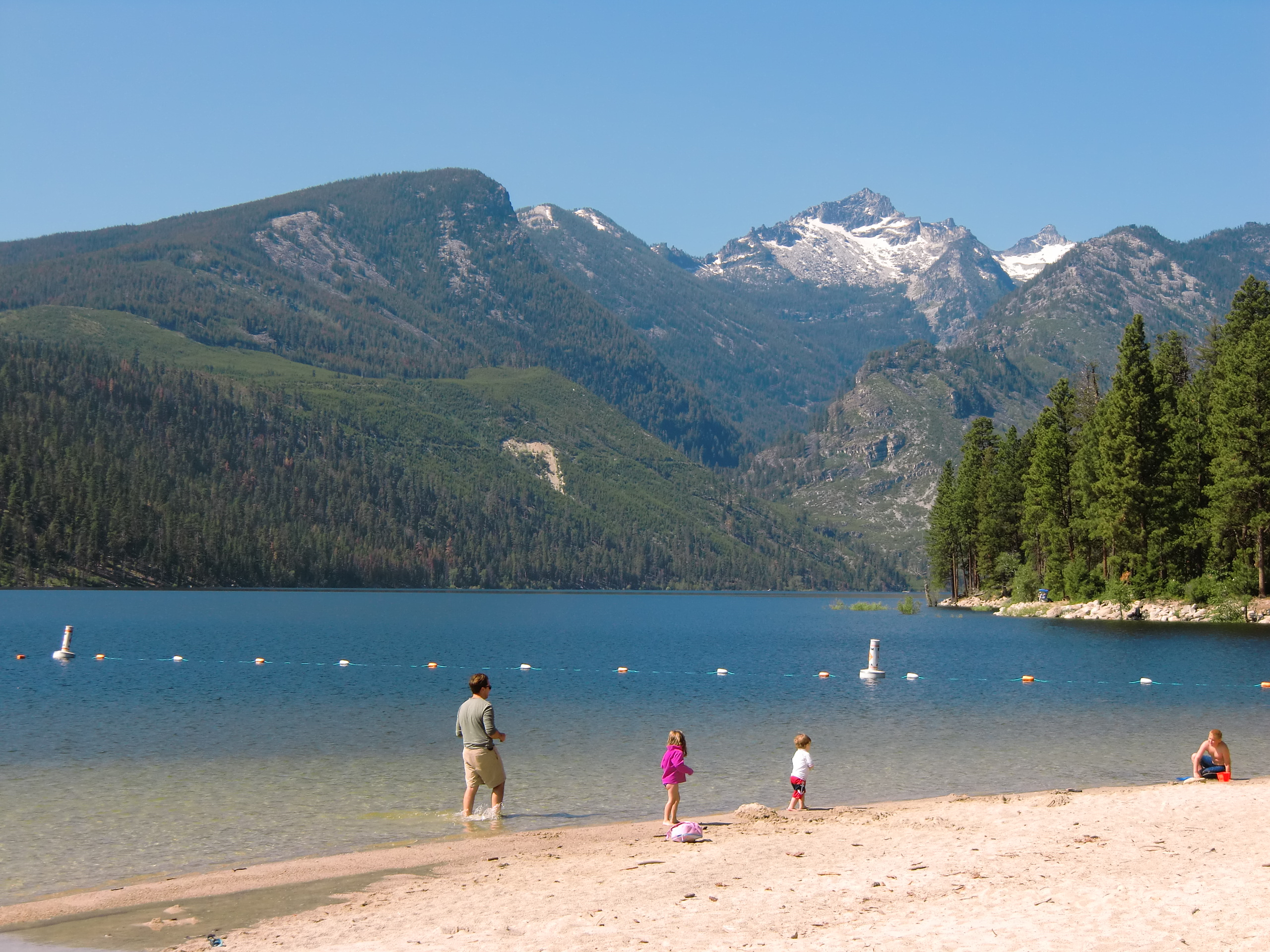 Lake como is a natural oasis in montana that 39 s impossible for Cabina lago north carolina