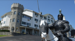 Spend The Night In Missouri's Most Majestic Castle For An Unforgettable Experience