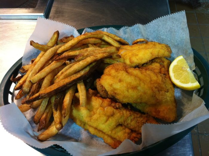 8 of the greatest local fried fish restaurants in illinois for Boston fish market des plaines illinois