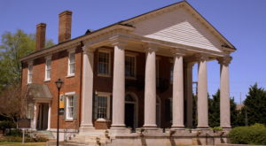 Most Alabamians Are Unfamiliar With The History Behind This Famous Bank