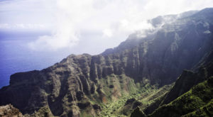 Here Are The 10 Most Popular Hikes In Hawaii… And Where To Go Instead