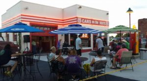 9 Kansas Restaurants With The Most Amazing Outdoor Patios You'll Love To Lounge On