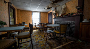 This Abandoned Tavern Is One Of The Oldest Buildings In The Midwest