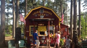 The Tiny Burger Barn Hiding In An Arkansas Forest You'll Absolutely Love