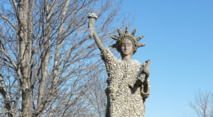 Most People Don't Know There's A Little Statue of Liberty In Minnesota
