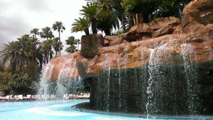 11 Most Unique Hotel Swimming Pools In Nevada You Ll