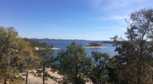 There's Nothing Better Than A Day Trip To Oklahoma's Most Underrated Lake