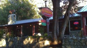 The Cozy Restaurant Tucked Away In A Southern California Forest Most People Don't Know About