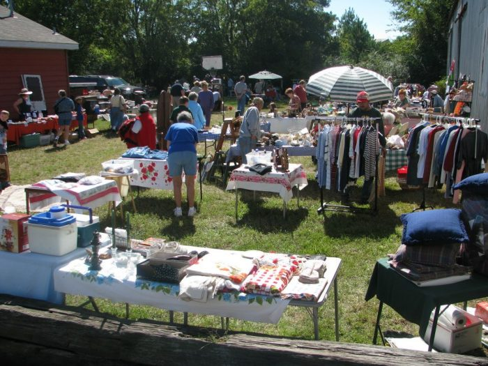 You Ll Absolutely Love This 100 Mile Yard Sale Going Right