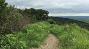 The Hiking Trail Hiding In Iowa That Will Transport You To Another World