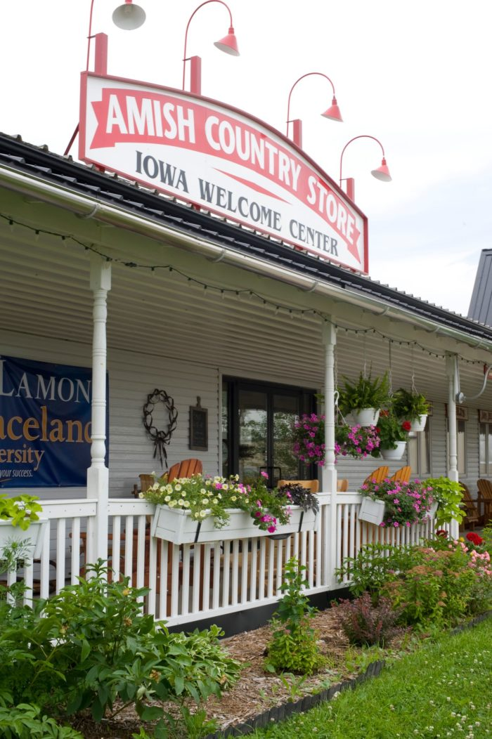This Charming Restaurant In The Heart Of Amish Country Is An Iowa Dream Only In Your State