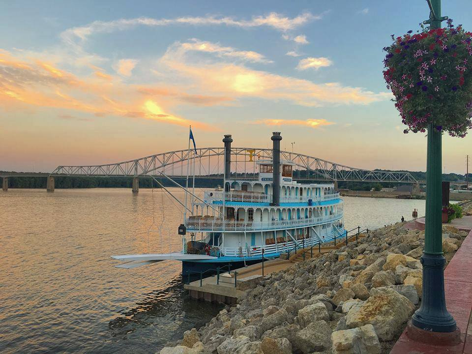 Cruise The Mississippi River To Experience Iowa S Natural Masterpiece Only In Your State