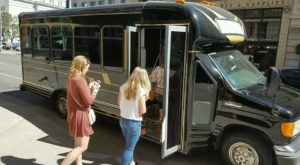The Wine Trolley Tour In Denver You'll Absolutely Love