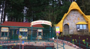 The Enchanted Forest Hiding In Oregon You Need To Visit
