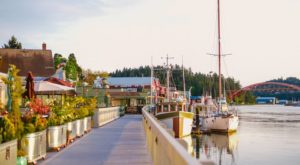 These 10 Charming Waterfront Towns In Washington Are Perfect For A Daytrip