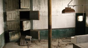 Everyone In New Jersey Should Take This Rare Tour Of An Abandoned Ellis Island Hospital