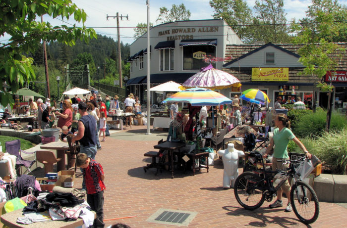 Guerneville is the small town in northern california that for Small towns in northern california