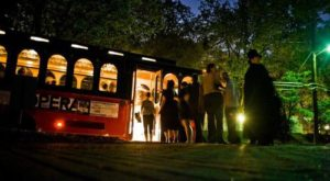 This Haunted Trolley Tour Will Give You A Chilling Look Into Georgia's History