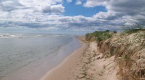 8 Stunning Wisconsin Beaches That Look And Feel Like The Ocean