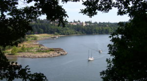 Most People Don't Know There's A Little Statue of Liberty Near Portland