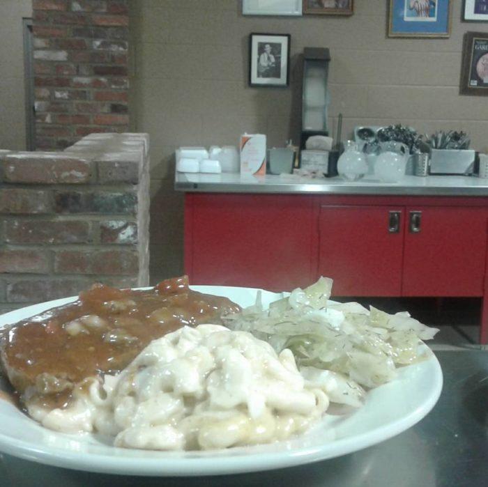 7 Legendary Family-Owned Restaurants In Nashville You Have