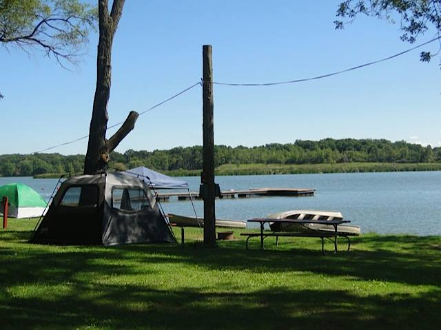 10 best places to stay in illinois for Best fishing lakes in illinois