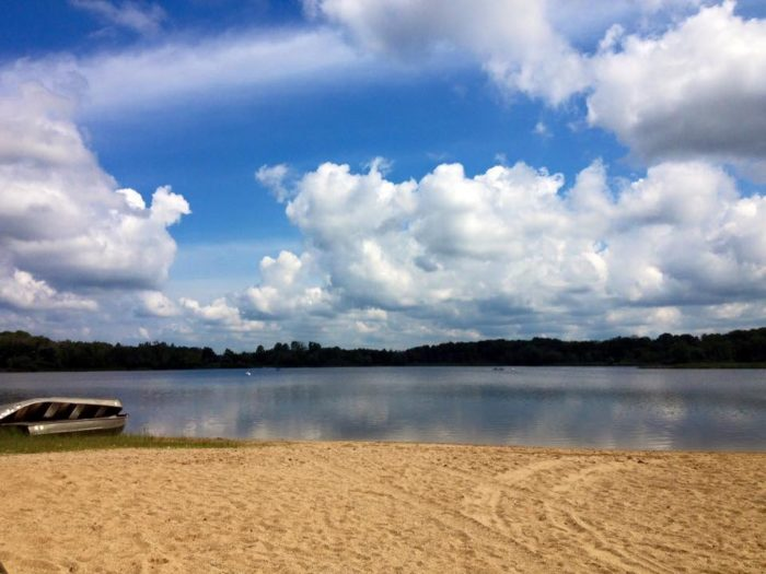 8 little known swimming spots in illinois for Fish lake camping