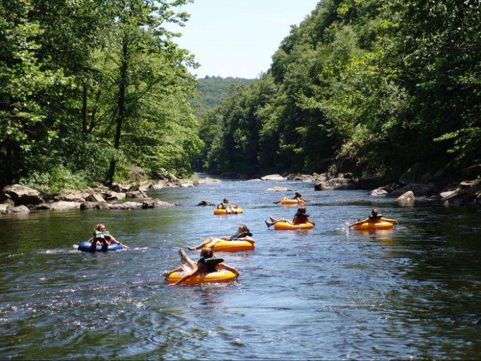 Farmington River Tubing At Connecticut S Natural Lazy River