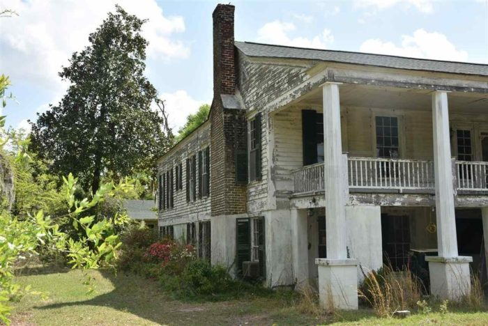 17 Staggering Photos Of Red Doe, An Abandoned Plantation ...