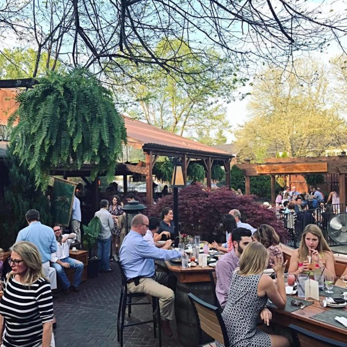 Amazing Outdoor Kitchens That You Might Have While Living: 12 Kentucky Restaurants With The Most Amazing Patios