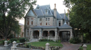 Staying At This Stunning Missouri Bed And Breakfast Will Make You Feel Like Royalty