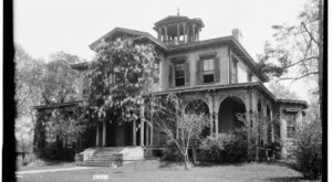 The Spookiest Mansion In Alabama Is Sure To Give You Nightmares