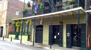 The Louisiana Voodoo Museum That's Both Terrifying And Fascinating