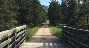11 Easy Hikes To Add To Your Outdoor Bucket List In South Dakota