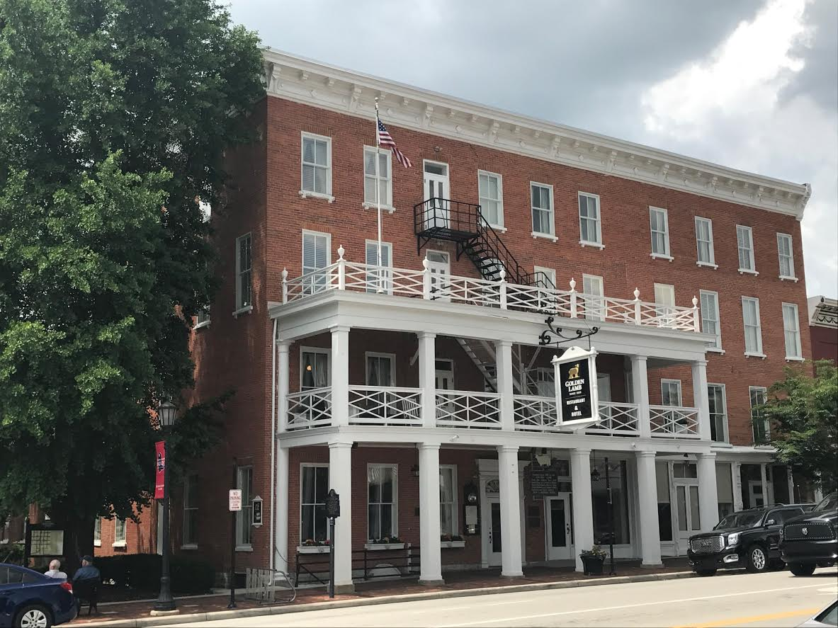 The mot charming hotel in all of ohio the golden lamb for Charming hotel