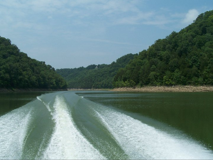 Center Hill Lake Is The Best Lake Near Nashville For A Summer Day Trip