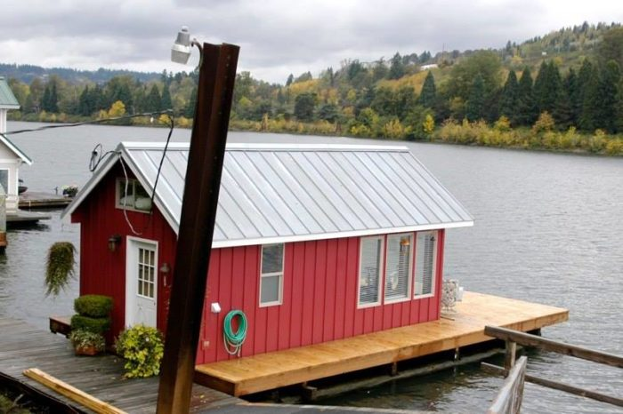 These floating homes near portland are the ultimate place Floating homes portland